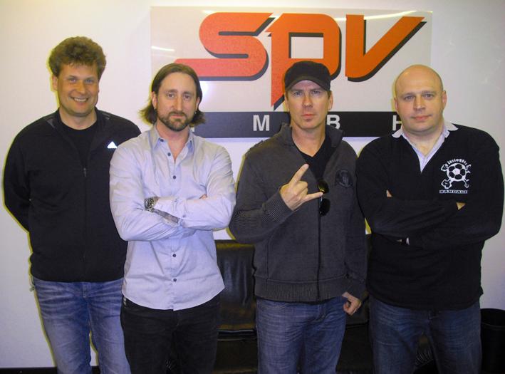 Andreas Rennmann (Brinkmann & Partner), Dirk Zeiser (Management Kamelot), Thomas Youngblood (Kamelot), Olly Hahn (A&R SPV/Steamhammer)